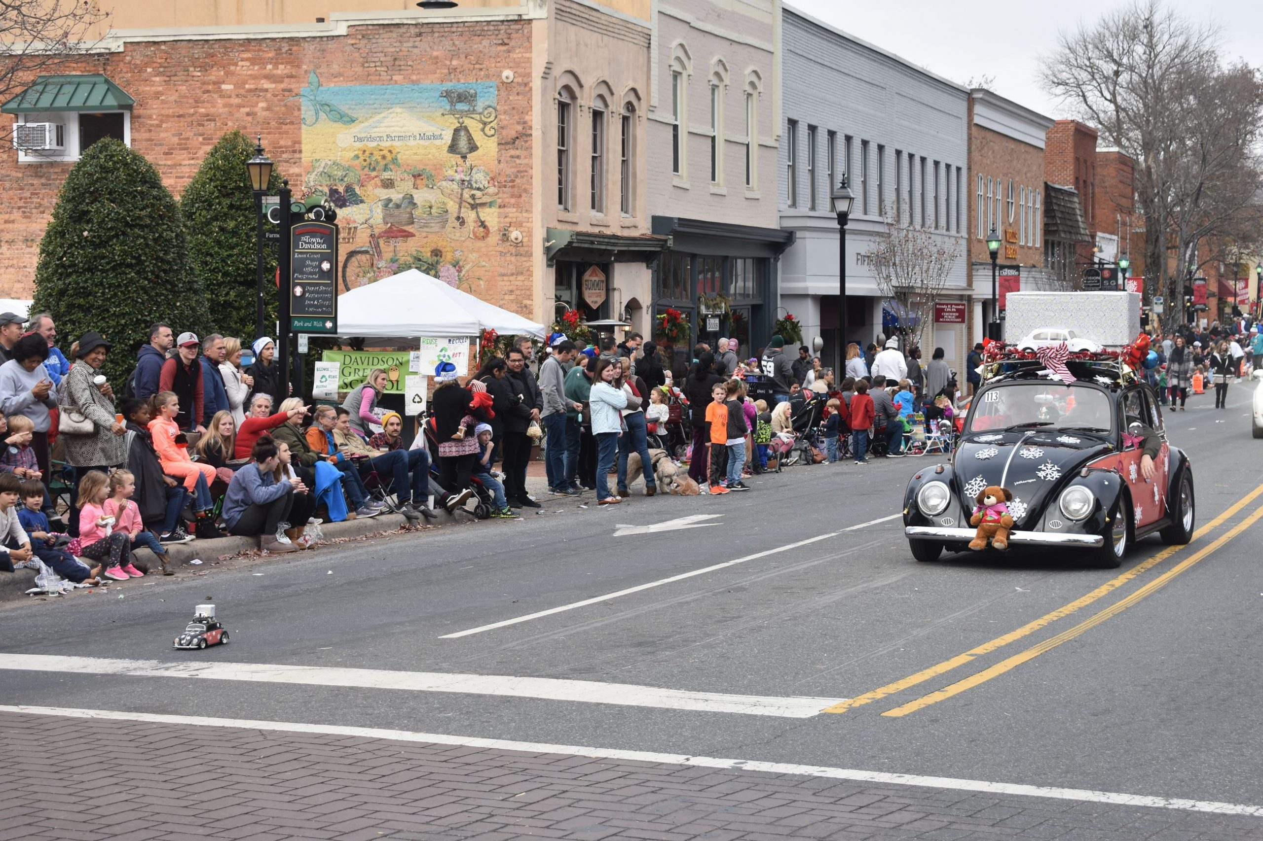 Image Courtesy: North Mecklenburg Holiday Parade