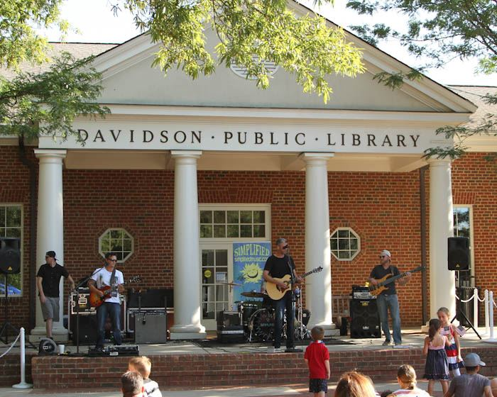 Things to Do -Downtown Davidson – Davidson