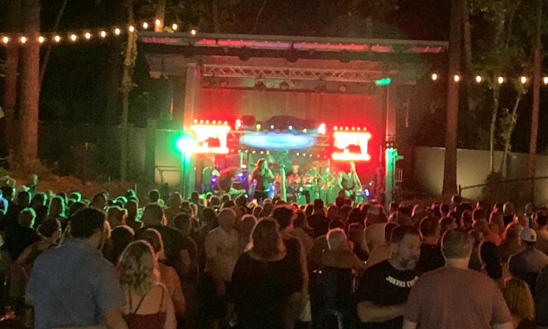 Entertainment & Nightlife – Boatyard Lake Norman – Cornelius